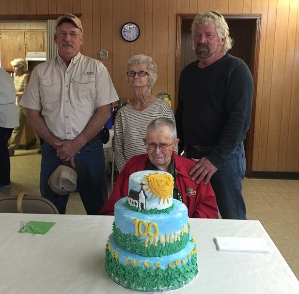 Tennessee elder celebrates 100th birthday