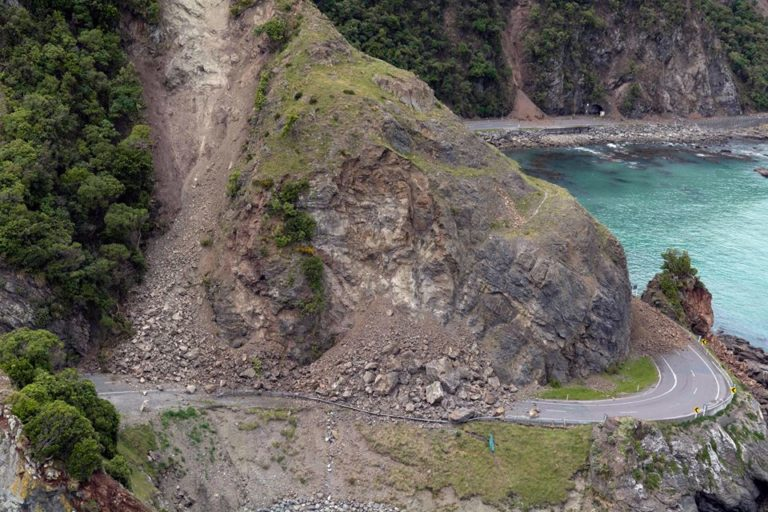 New Zealand saints shaken by earthquake